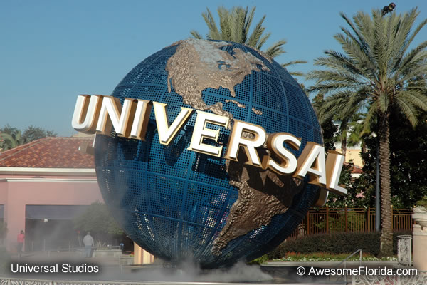 Http Imgarcade Com 1 Universal Studios Globe Night